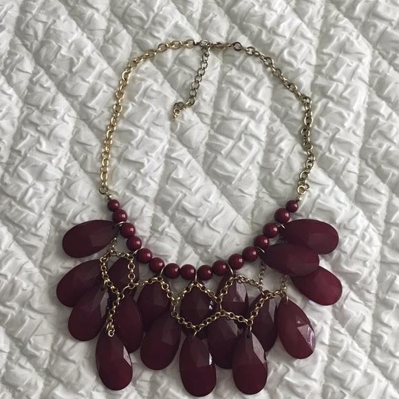 Jewelry - Beautifu Hans  make Necklace